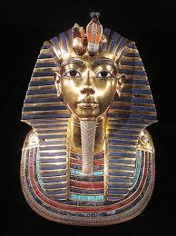 Le masque funéraire de Toutânkhamon, appelé aussi masque d'or de Toutânkhamon, est le masque funéraire découvert le 28 octobre 1925 dans le tombeau de Toutânkhamon lorsque l'archéologue britannique Howard Carter ouvre le sarcophage contenant la momie de ce pharaon.